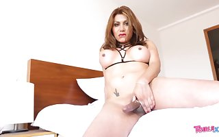 Sultry Aylin Is Rock Hard Cums
