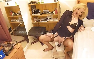 Sissy Crossdresser Amatuer Tranny riding